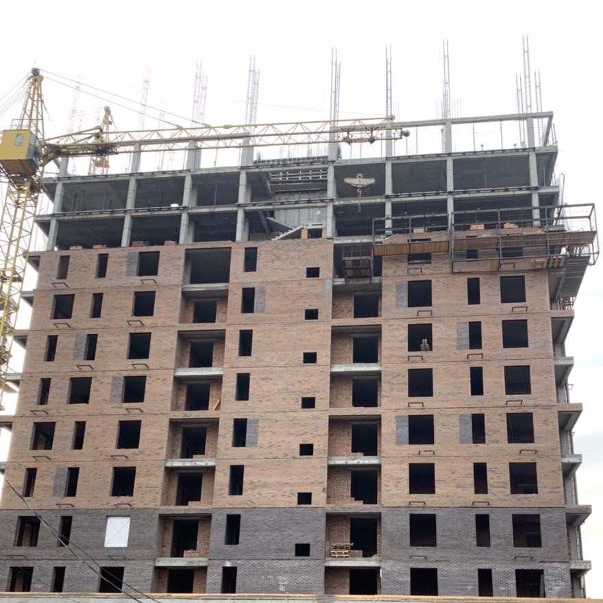 Cтроящийся дом из Марксбург Кварц, ЖК Комарово, Абакан, КирпичЦентр